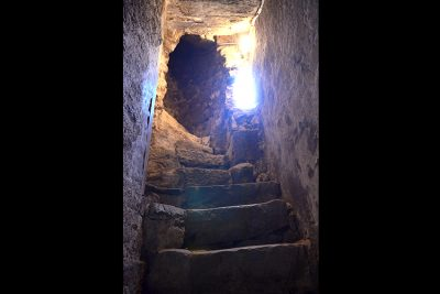 L'escalier en pierre date de 1555